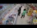 Трое уроженцев КБР избили охранника и ограбили магазин в Раменском