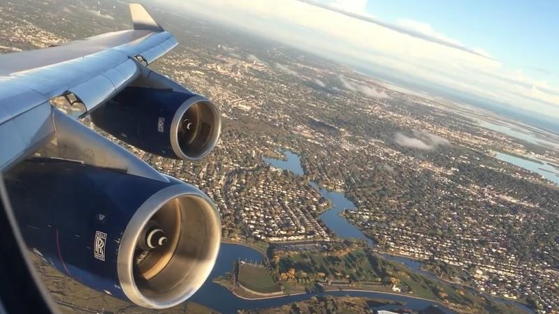 Boeing 747 ABORTED LANDING AT JFK (Engine roar)