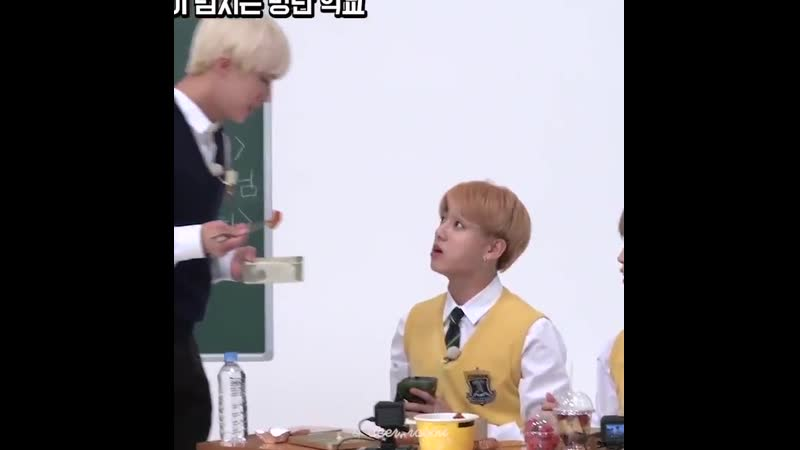 Hhh Jungkook so used to his hyung feeding him He swallowed his food fast thinking Jin is going to feed him the shrimp Jinkook K