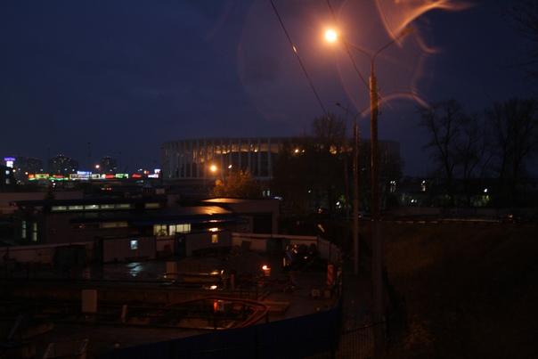 Стадион под покровом ночи