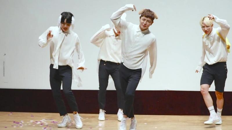 FANCAM | 17.08.18 | Byeongkwan - Take Me Higher (Part Switch ver.) @ 15th fansign Beatroad