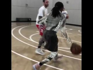 Quavo play basketball