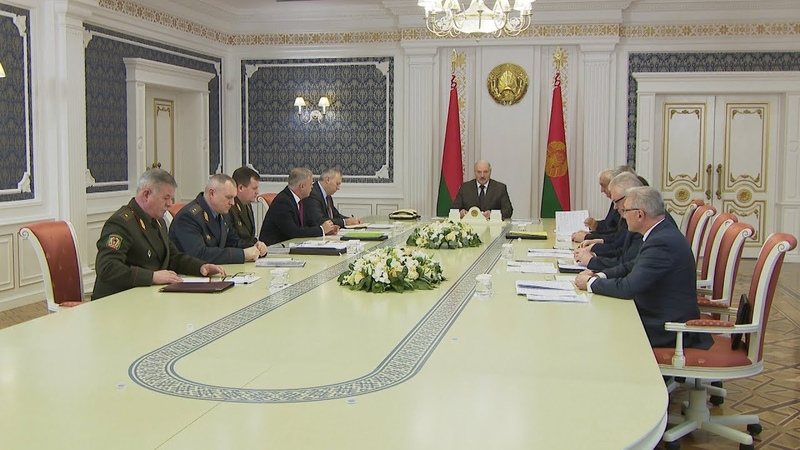 Возможные изменения в вопросах призыва в армию обсудили на совещании у Президента
