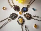 Кулоны вышитые нитками Вышивка рококо Бразильская вышивка