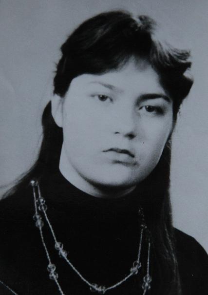 Их повенчала смерть. Медсестра Лариса Тюлякова пошла в Афганистан добровольцем по комсомольской путёвке. Вернувшись с войны тридцать лет назад, она только один раз надевала орден Красной Звезды.