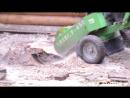 Работа пнедробилки Ласки - Железный дровосек
