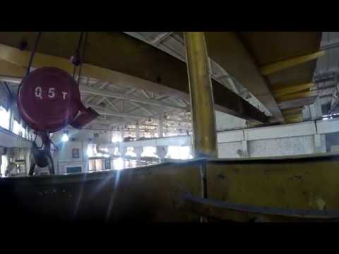 Катаемся на мостовом кране по цеху. Не башенный кран. Лайф. Мостовой кран.