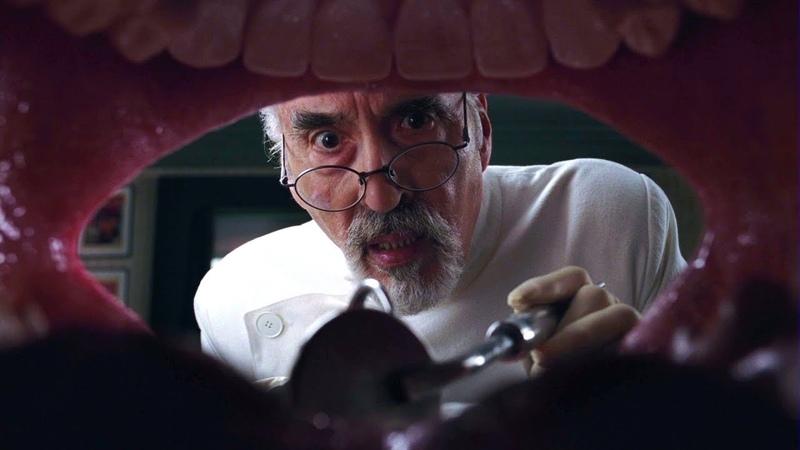 Вилли Вонка приходит к своему отцу Уилбуру Вонке Чарли и шоколадная фабрика 2005 год