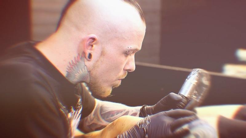 Tattoo Tips Tricks with Tattoo Artist Julian Siebert How to line with Cheyenne Machines