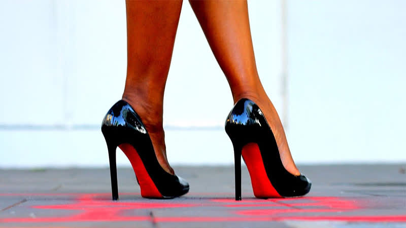 Итальянок оштрафовали на 500 евро за любовь к каблукам