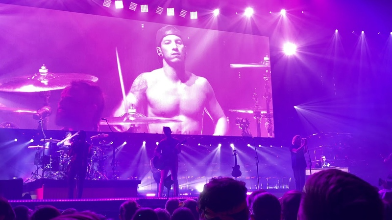 Twenty one pilots hey jude live at the pinnacle bank arena lincoln 11 20 2018