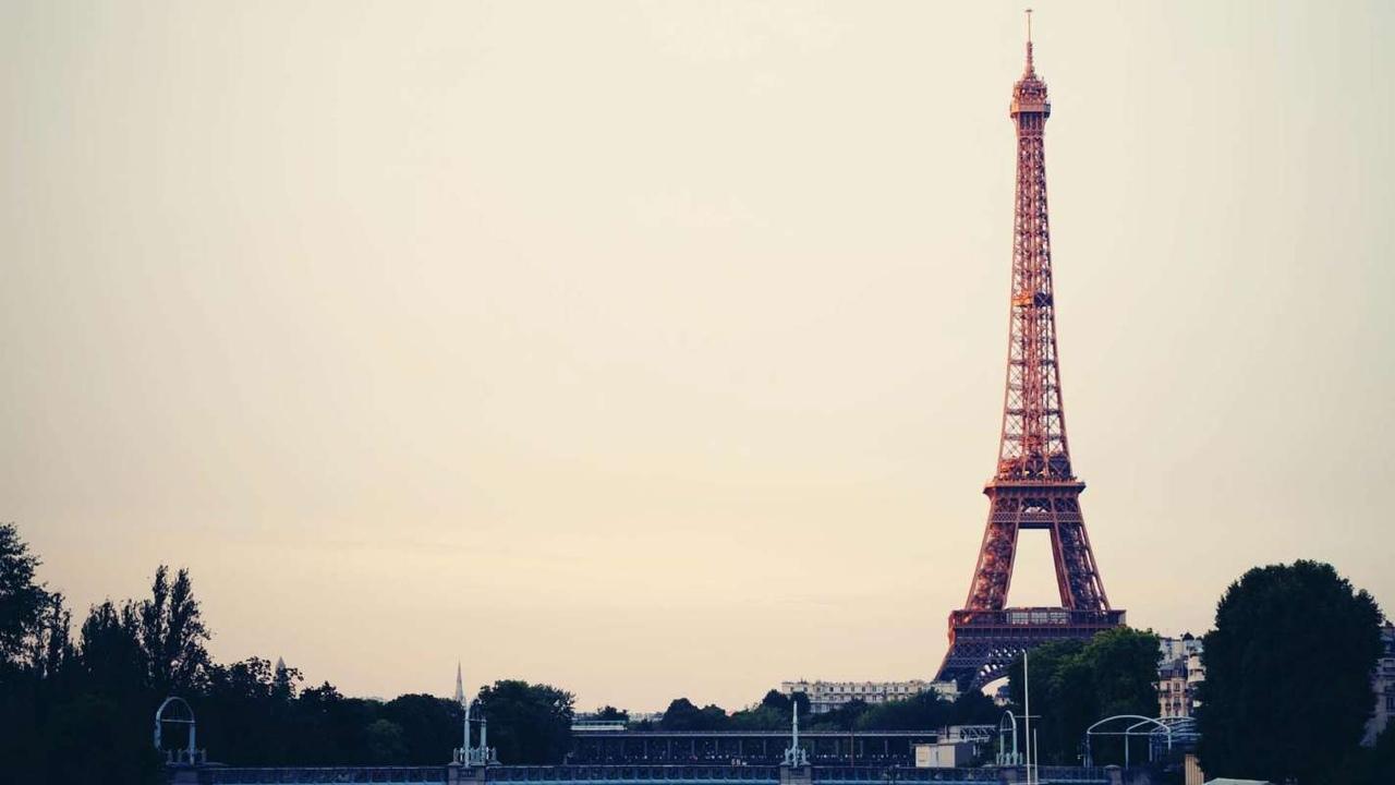 Афиша Казань Бесплатный урок для начинающих по французкому яз