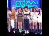 Mina was stucked between Mark and GOT7 Bambam, so she signaling Mark to move aside The cutest duo MC!!!