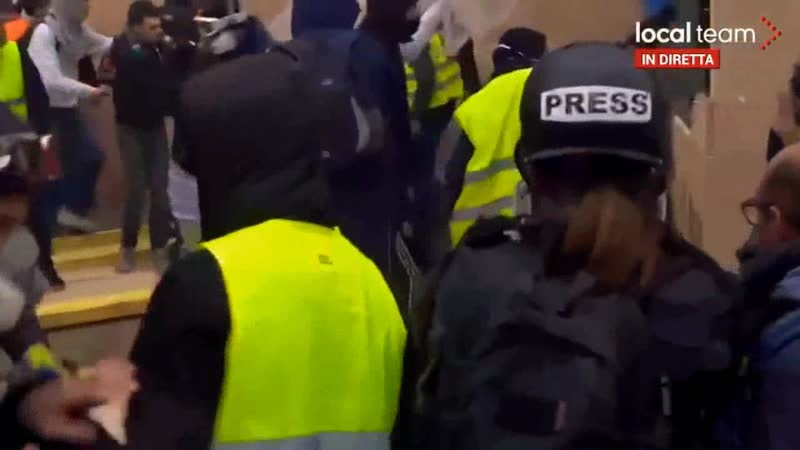 PROTESTATIONS EN FRANCE - GILETS JAUNES VS. POLICE (PROTESTY VE FRANCII - ŽLUTÉ VESTY VS. POLICIE)