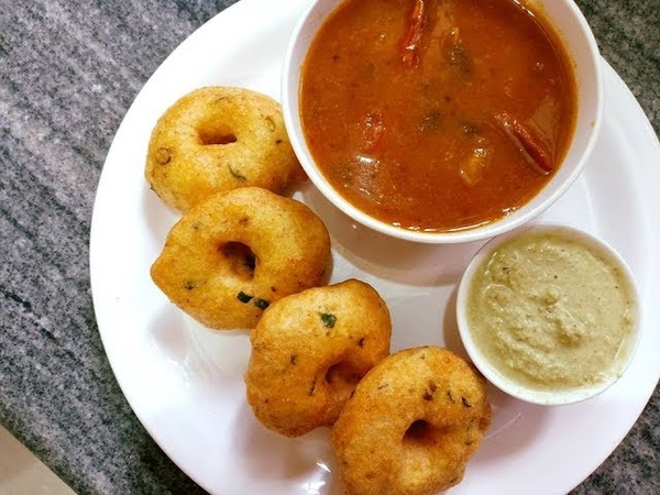 Crispy Medu Vada Recipe | How To Make Medu Vada | Medhu Vadai | Uddina Vada