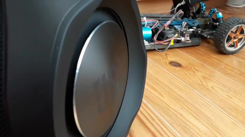 JBL Boombox (trap bass test) ( 1080 X 1920 ).mp4