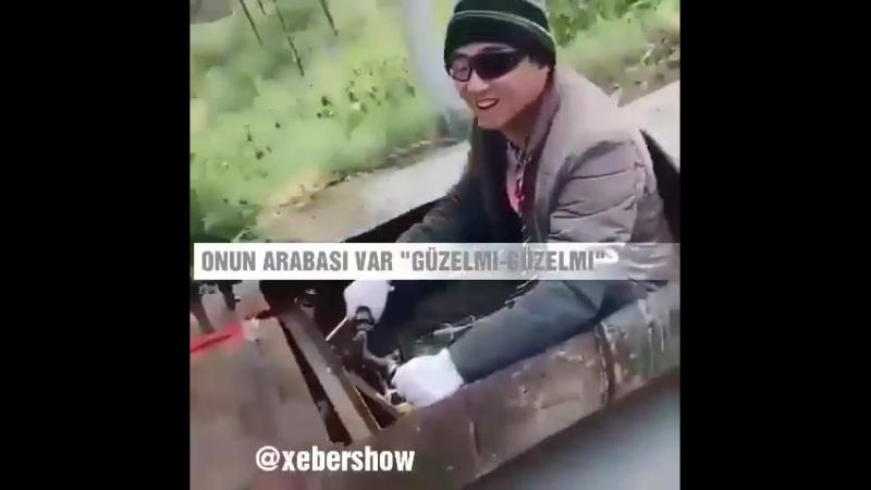 Onun arabasi bar