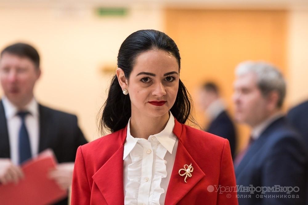 Молодежный министр Глацких договорилась до отставки
