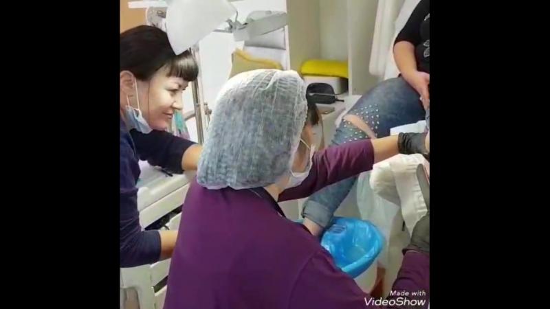 Стажировка юного инструктора во время учебного процесса в педикюрном классе!