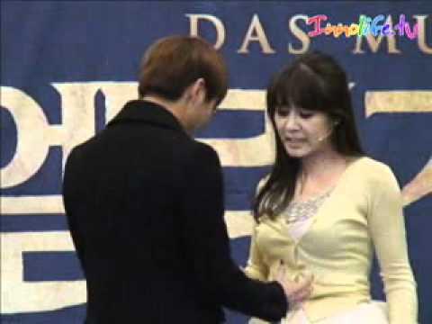 12 мар. 2012 г.キム・ジュンス、ミュージカル『エリザベート』爆発的な歌唱力q