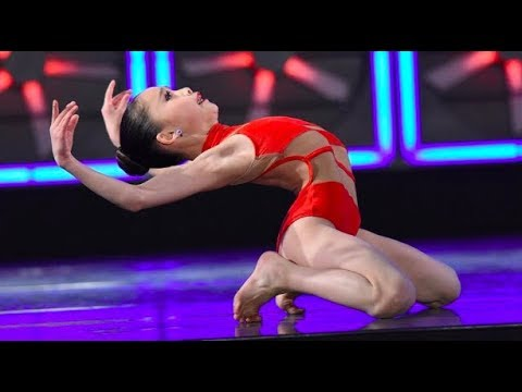 Crystal Huang - Flat Red