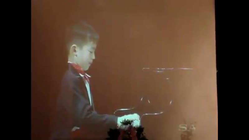 хани играет на piano и похищает ваши кокоро