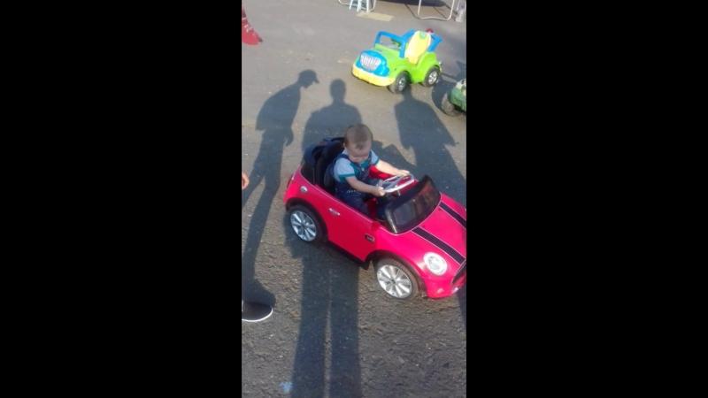 Маленький гонщик