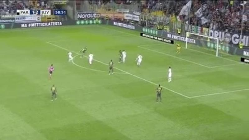 Para в Твиттере «Ronaldo just mistimes the scissor kick… »