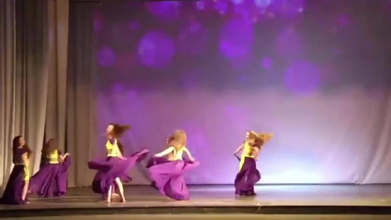 Украшение наших Отчетных концертов - восточные красавицы с неподдельным удовольствием, исполняющие танец живота🌹