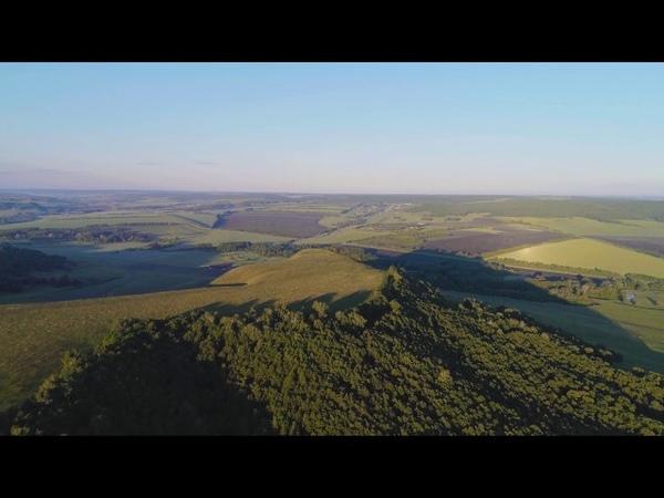 Над горой вблизи села Миякитамак Республика Башкортостан съемка с воздуха