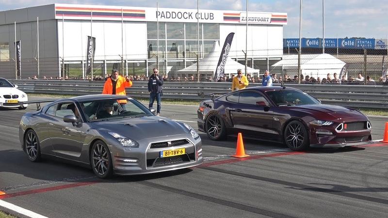 Ford Mustang 5.0 V8 Royal Crimson GT Performance vs Nissan GT-R