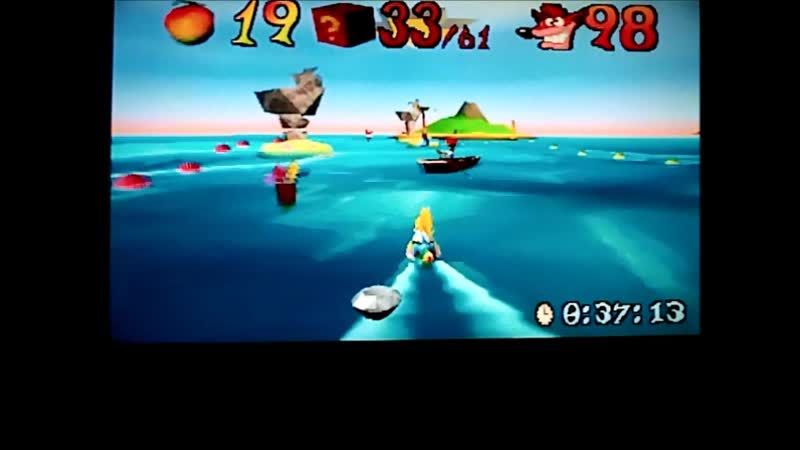 Crash Bandicoot 3:Warped(NTSC-J).Tell No Tales.Очень хороший подход.