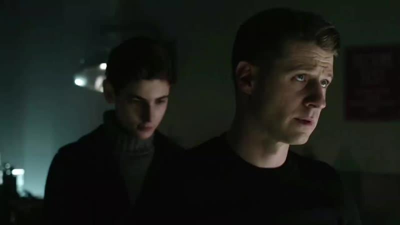 GOTHAM •SEASON 2x22• Bruce begs Selina to apologize