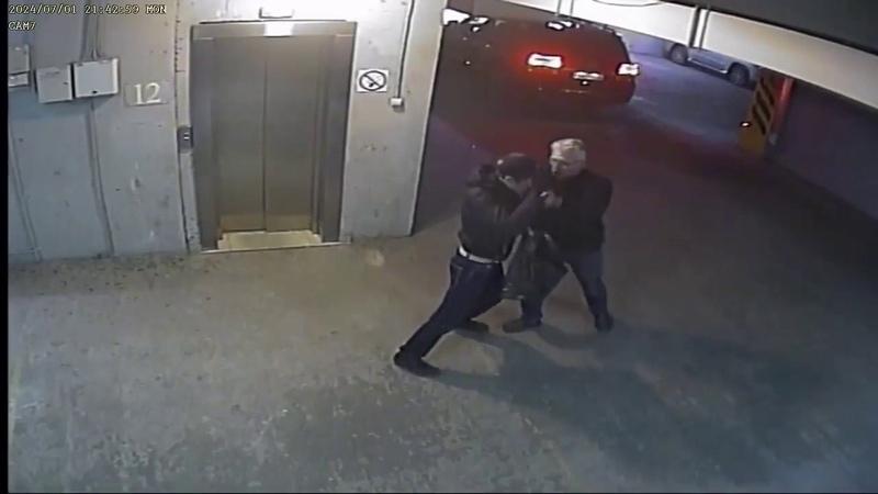В Иркутске пенсионер МВД обезвредил вооруженного автоугонщика