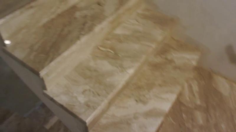 Монтаж лестницы из мрамора завершен 34 ступени 2 площадки г.Краснодар Panteleev.su