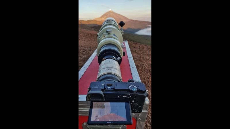 Как красиво снять луну. Прохождения Луны на фоне вулкана Тейде (Канарские острова) 16 км от людей в кадре