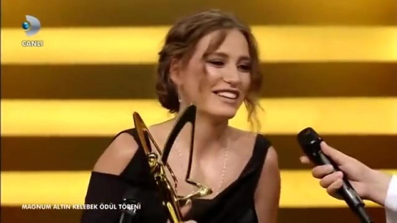 Altın Kelebek Ödül Töreni - En İyi Kadın Oyuncu Serenay Sarıkaya