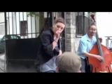 ZAZ - Je Veux - уличный французский Шансон! 16.000.000 просмотров на YouTube!