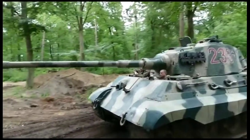 Tiger 2 - Königstiger 233 - driving at the Military Tracks 2018