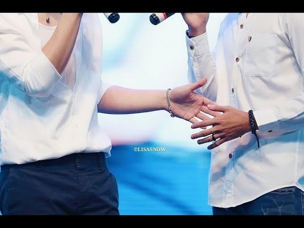 Moment Krist Singto So Sweet. Fanmeeting Singapore 180701. We Are Like The Air. 😑😑