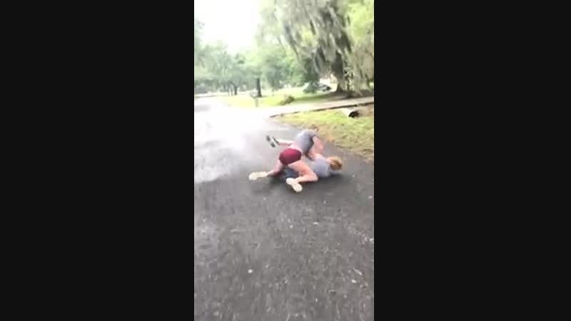 Girl fight(slammed in ditch) - YouTube