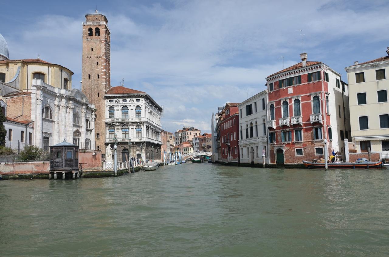 BlDZvCKML2A Венеция — один из самых романтичных уголков мира.