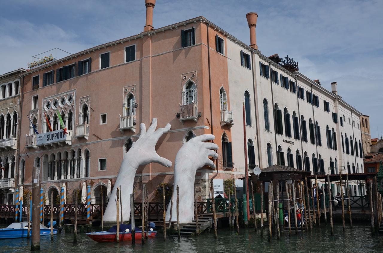 NMTyErY6_rY Венеция — один из самых романтичных уголков мира.