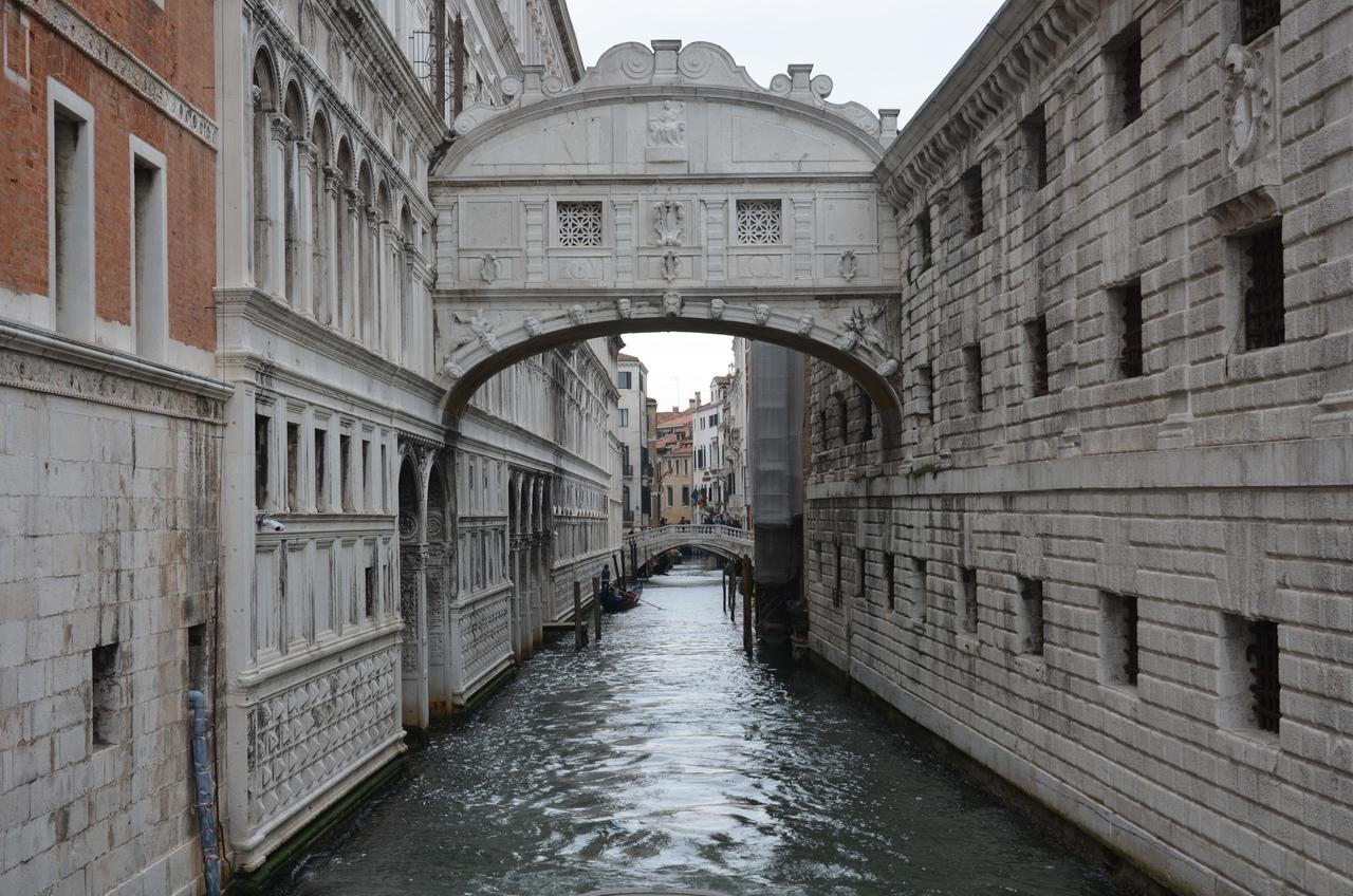 _YHecH5Gicw Венеция — один из самых романтичных уголков мира.