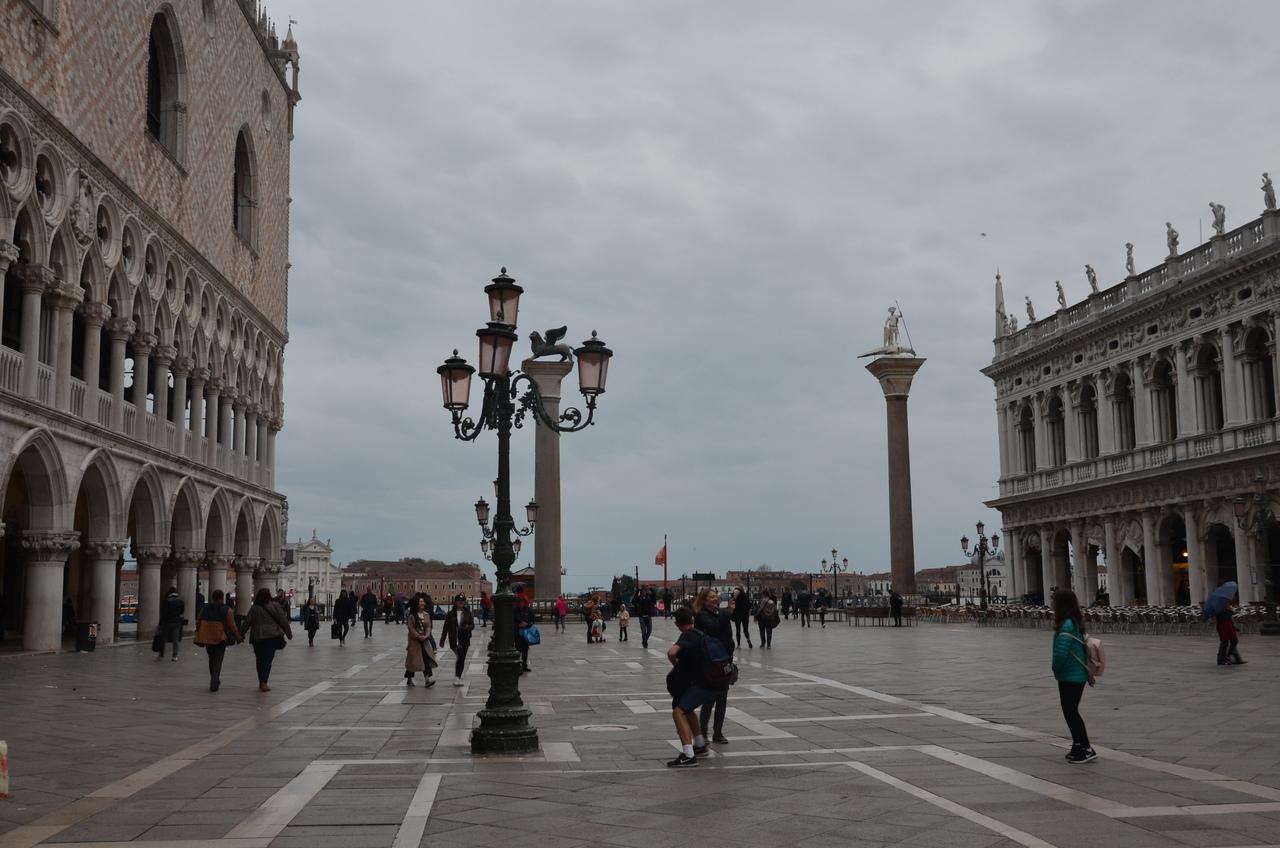 _w9BfZl4IAQ Венеция — один из самых романтичных уголков мира.