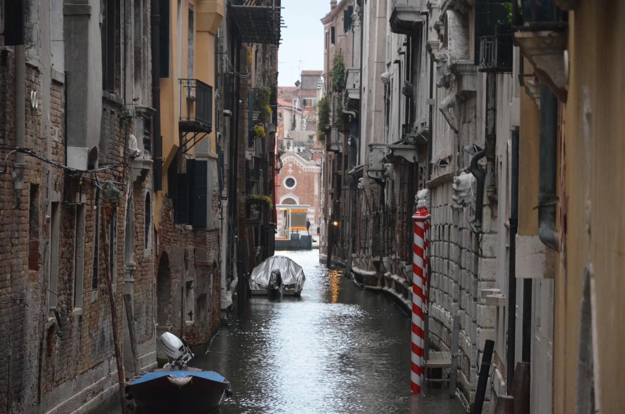 7WR_QrkMYvo Венеция — один из самых романтичных уголков мира.