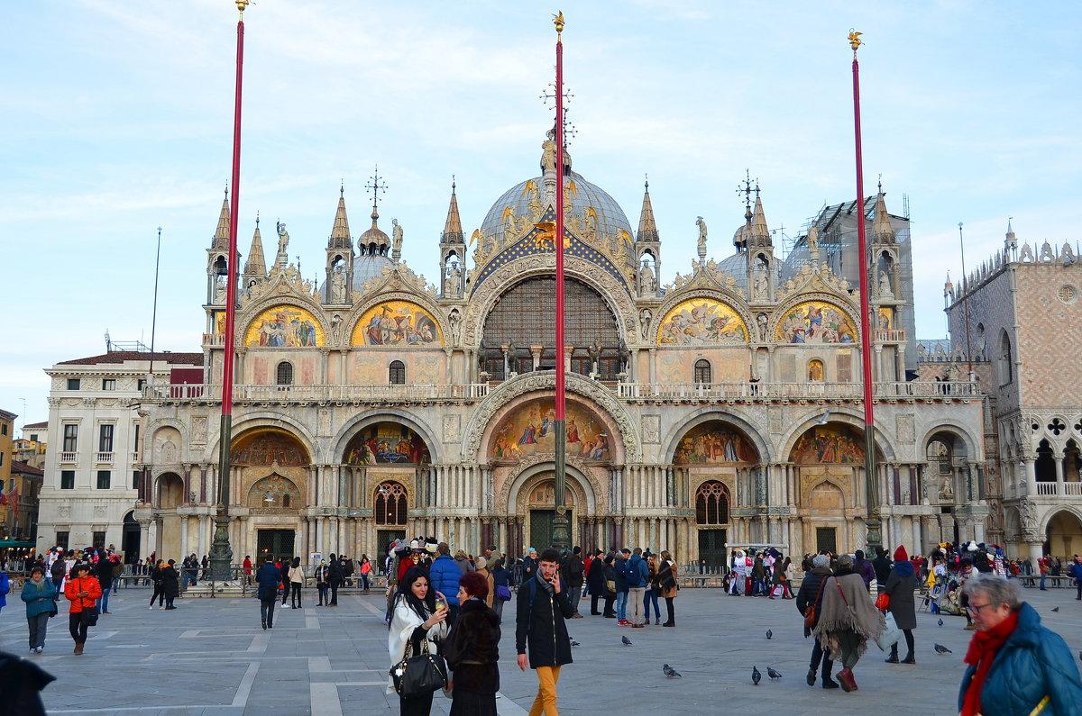 61u83YCpPTw Венеция — один из самых романтичных уголков мира.