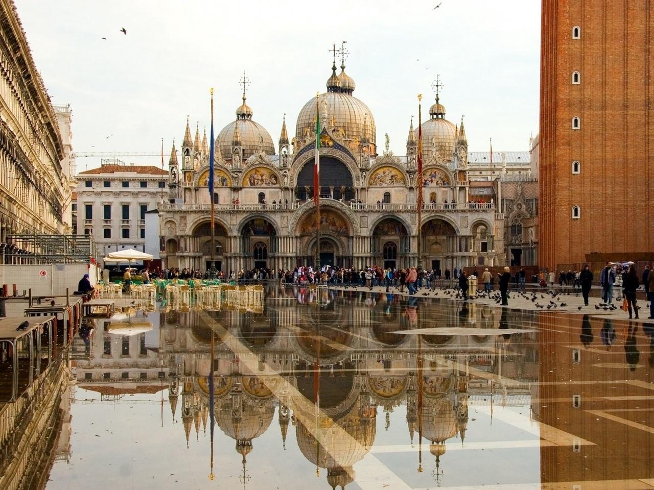 c-PnHn7r-lI Венеция — один из самых романтичных уголков мира.
