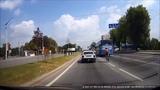 Очумелый спортсмен-велосипедист на шосере шесть раз(!) нарушает ПДД всего за несколько минут!((