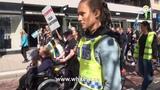 Kvinnopower bakom spontan demonstration mot Sveriges f